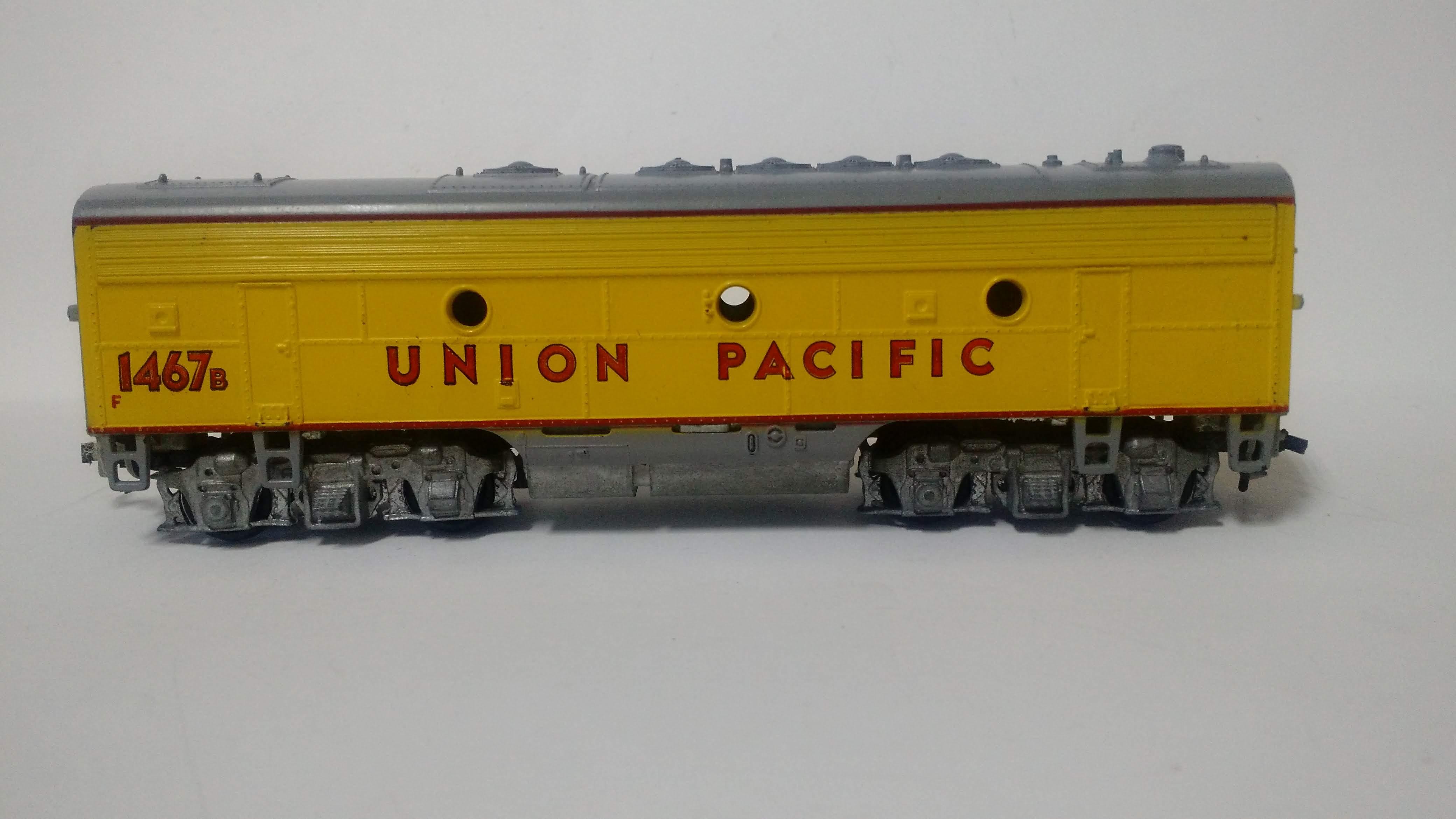 "Unidade ""B"" Locomotiva F7 Sem Motor - Union Pacific - #1467b - Athearn"