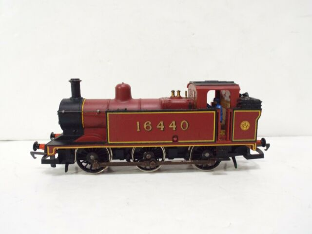 Locomotiva Hornby R052-3F Classe 3F Jinty 0-6-0T  #16440 em LMS Marrom