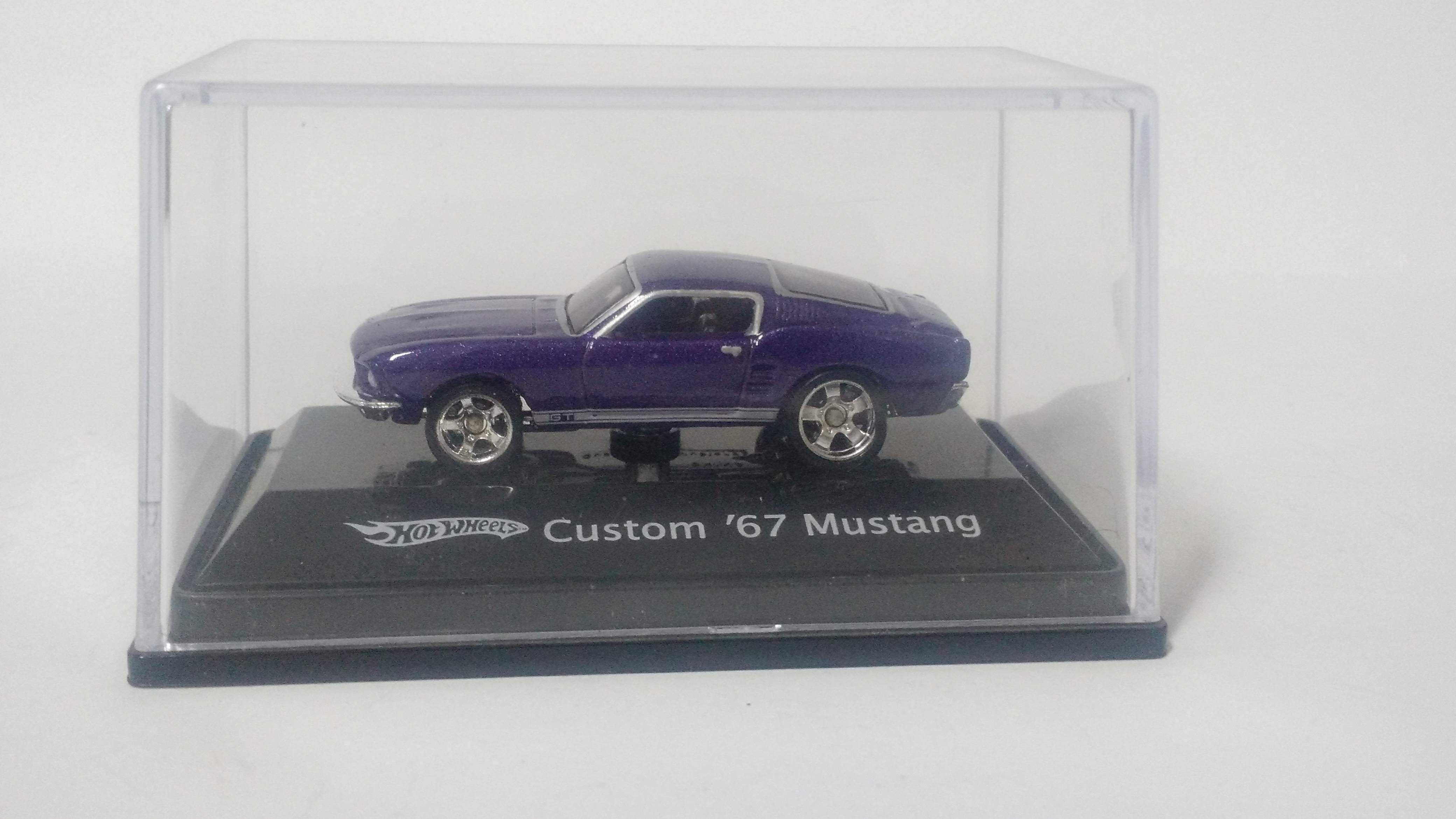Carro 1: 87 Hot Wheels Custom '67 Mustang Roxo