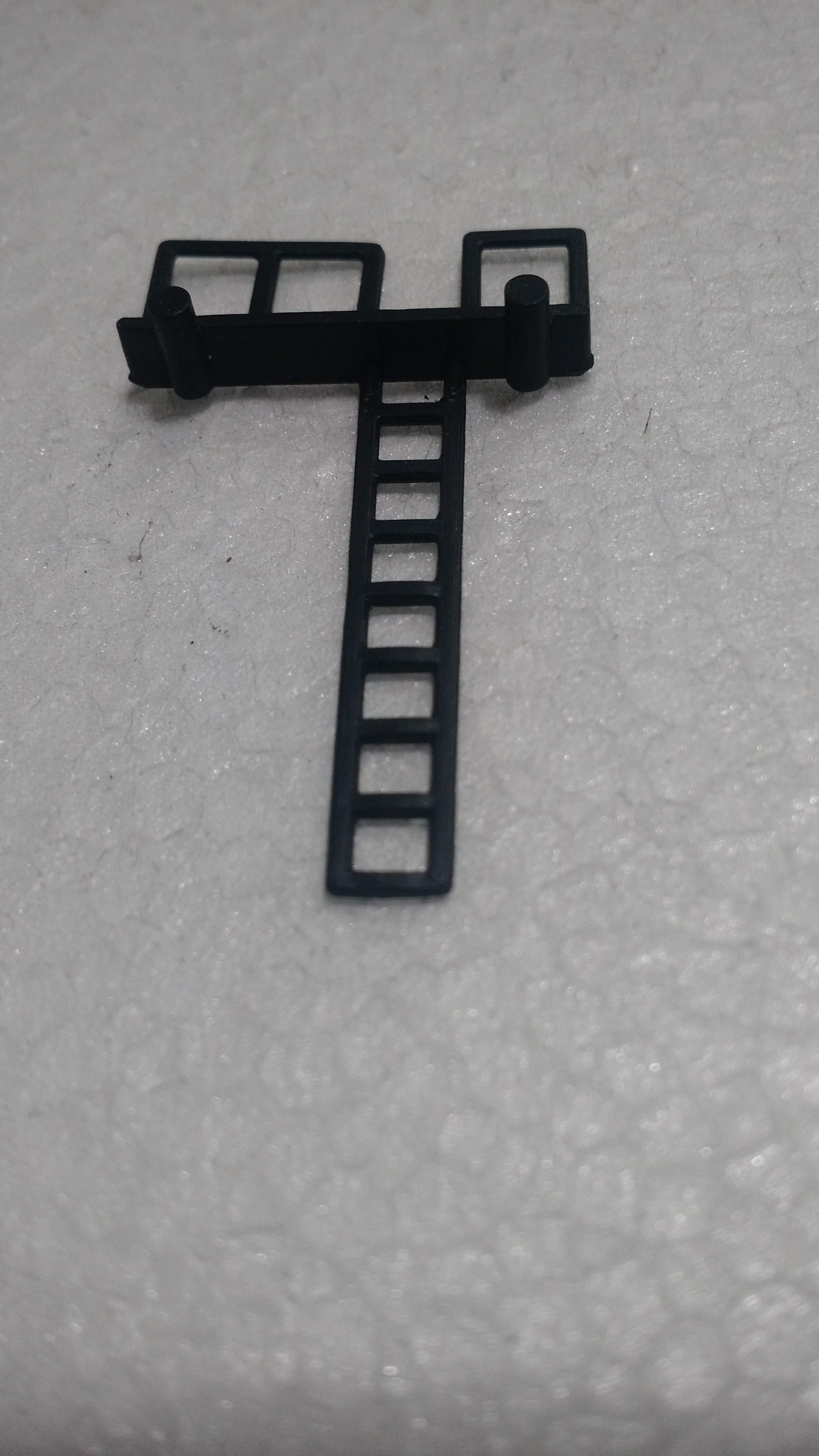 Escada Tanque ATMA Preta