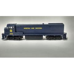 Locomotiva GE U33 B- #1903 - Athearn